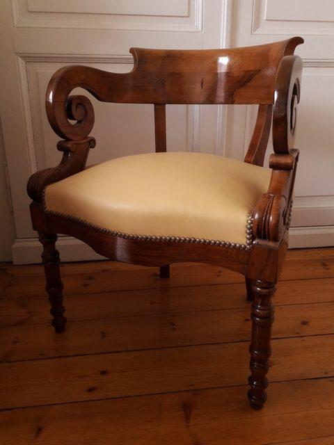 Fauteuil de bureau en acajou d'époque XIXe